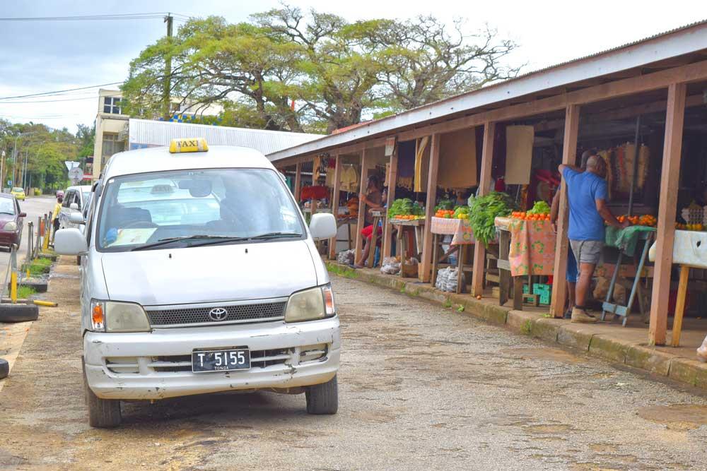 10 Ways to Get to Tongatapu (& Around Tongatapu)