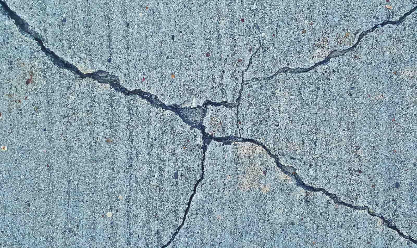 Earthquakes & Tsunamis in Tonga