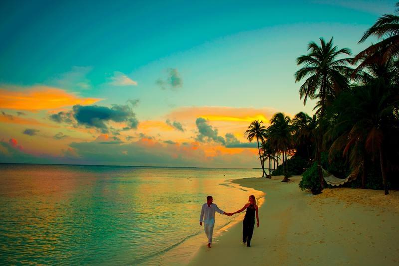 The Wedding & Honeymoon Guide to 'Eu