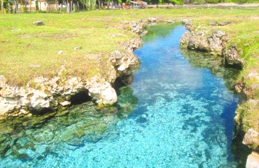 The Most Beautiful Swimming Holes in Tonga